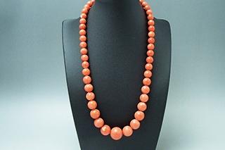 「100万以上!高額買取される宝石、血赤珊瑚。破格の4万!購入ならピンク珊瑚のネックレス」