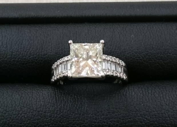 ダイヤモンドの値段はカラットが重要!