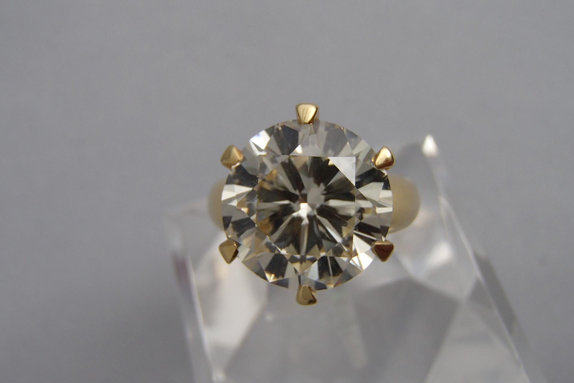 ダイヤモンドのさまざまな種類と用途をご紹介
