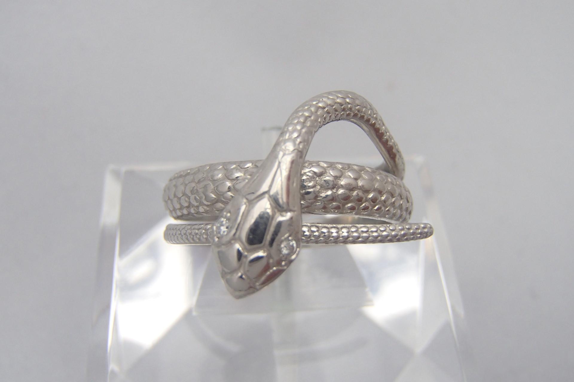 ダイヤモンドのカラットとは?ダイヤモンドの美しさにせまる!