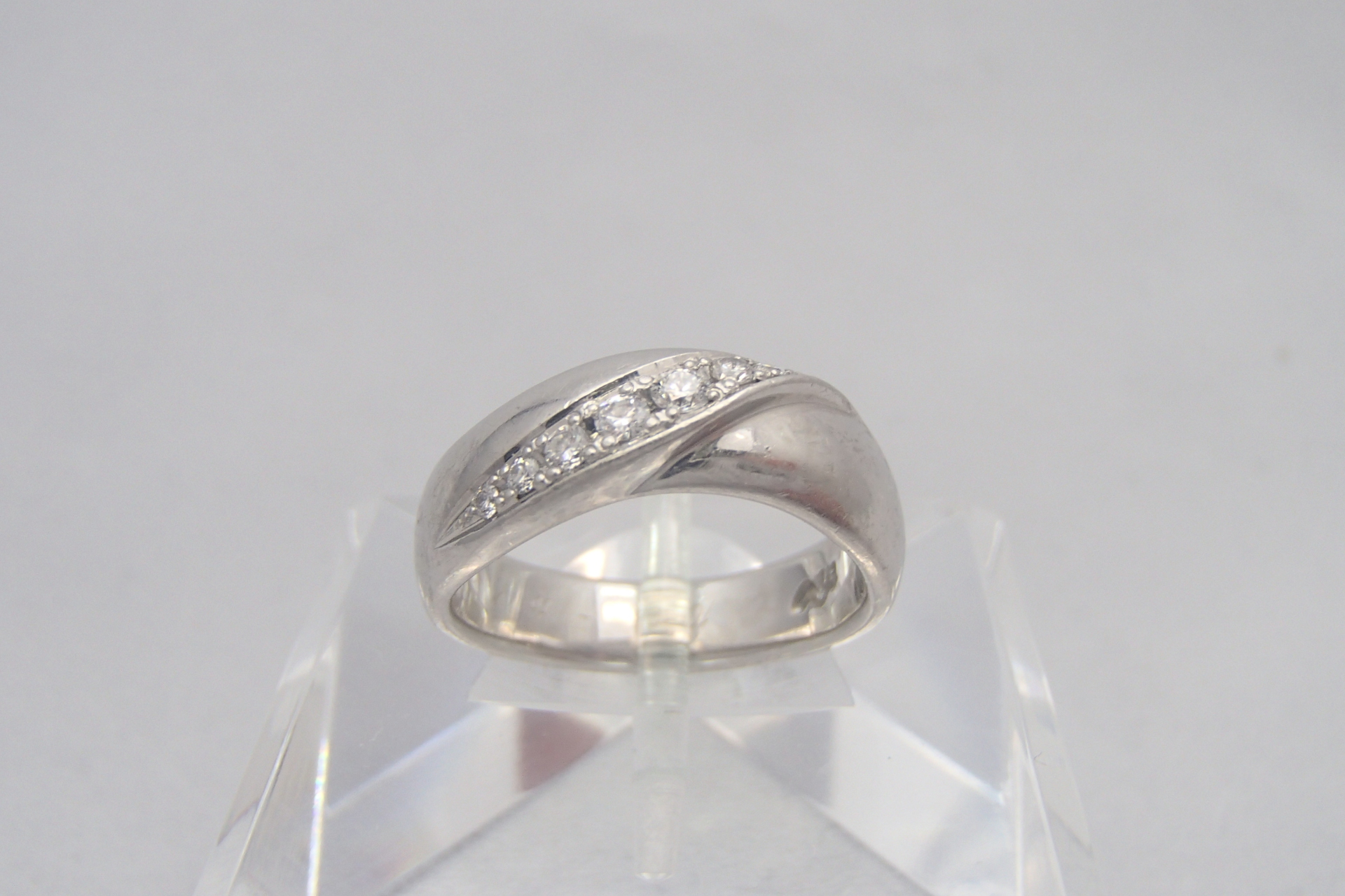 憧れの1カラットのダイヤモンド!お値段はどれくらい?