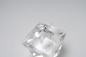 1カラットのダイヤの値段