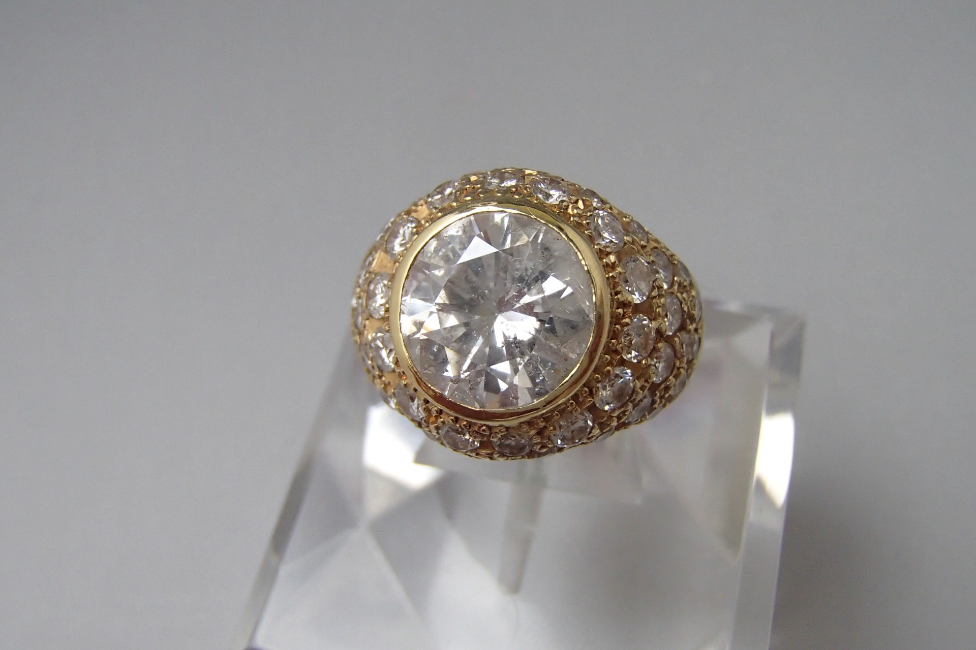 ダイヤモンド買取に悩む時には口コミが大事って本当なの?