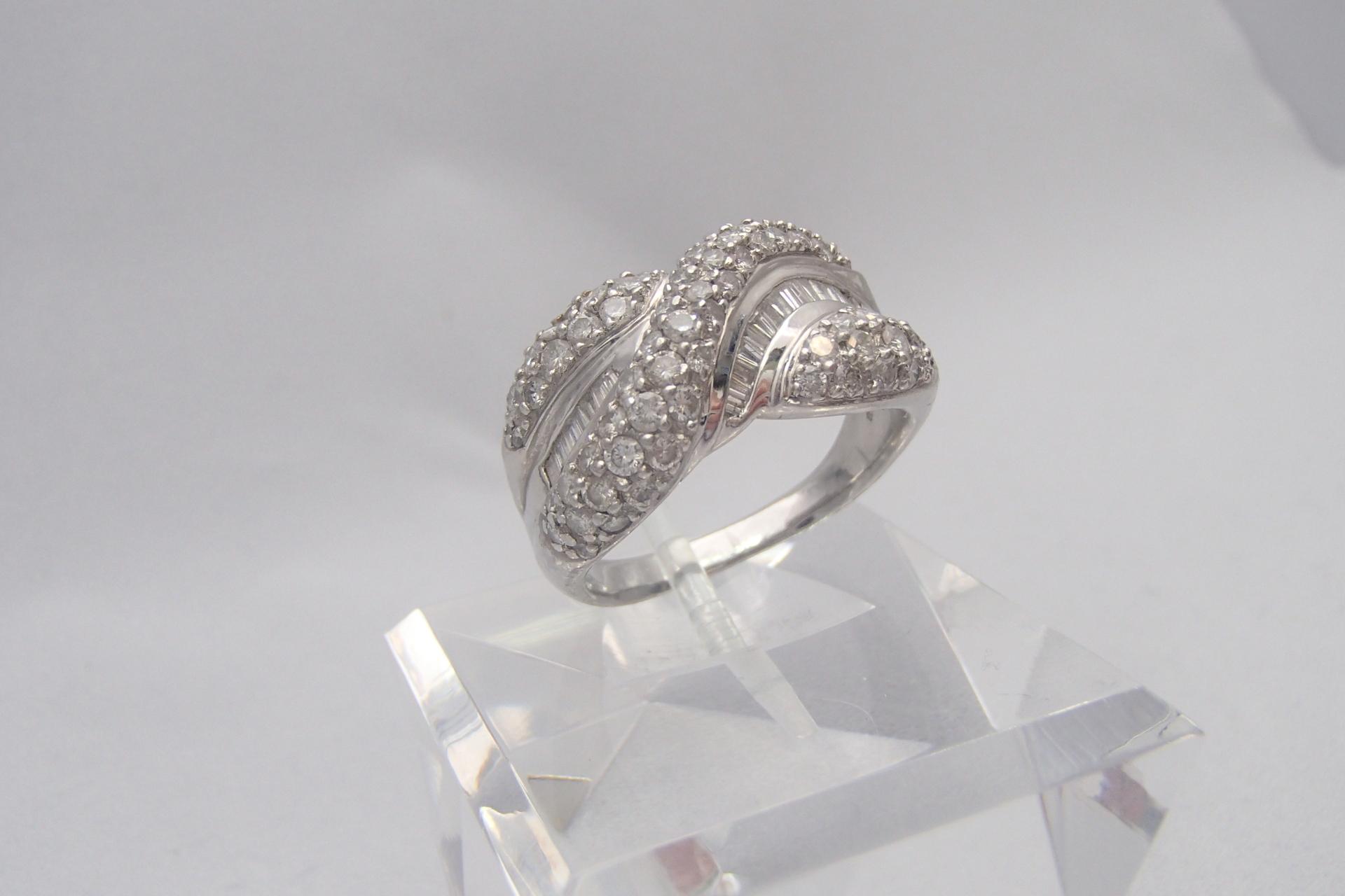1カラットのダイヤモンドが素敵!お値段はどのくらい?