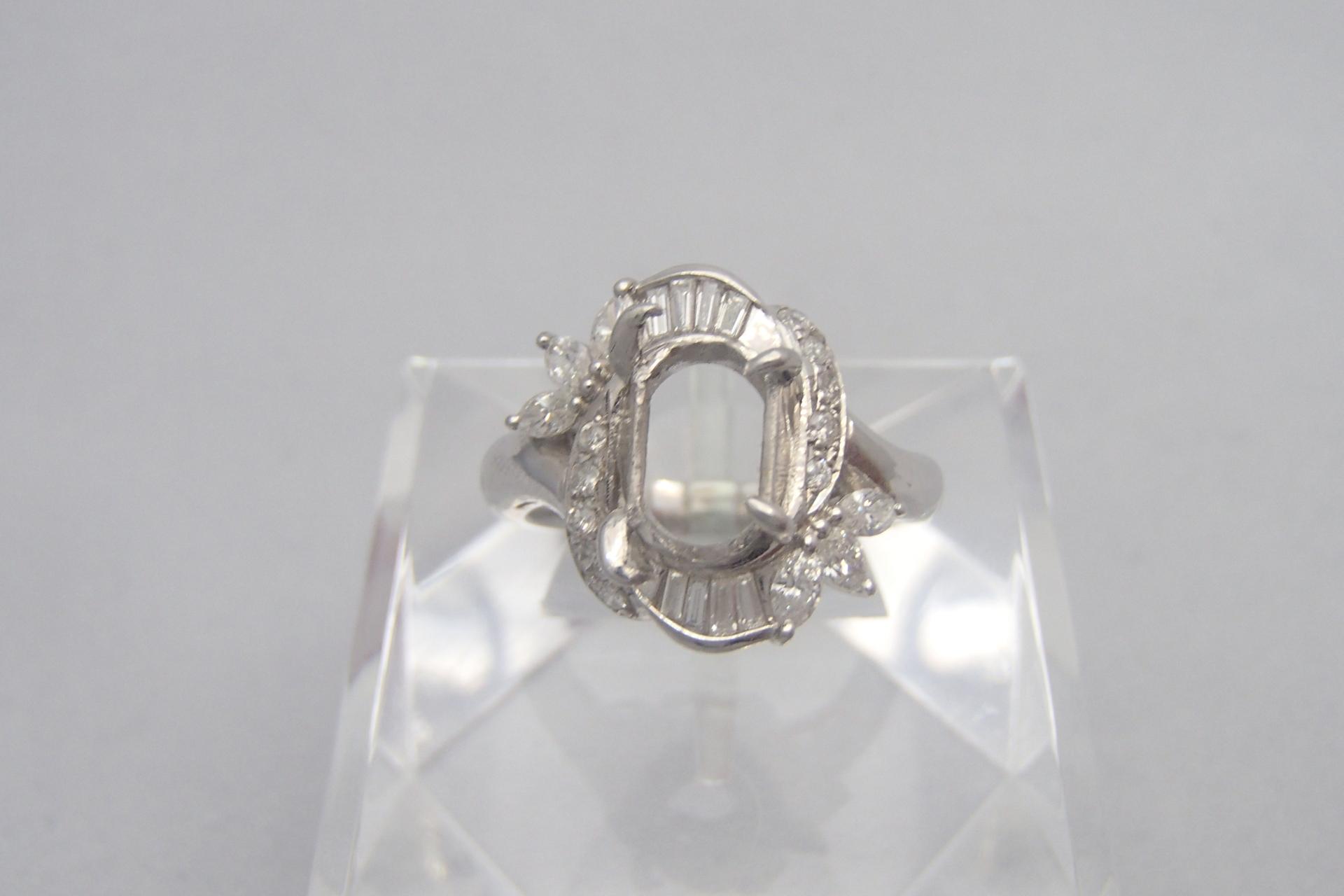 大切なダイヤモンドを質屋さんに持っていったら?