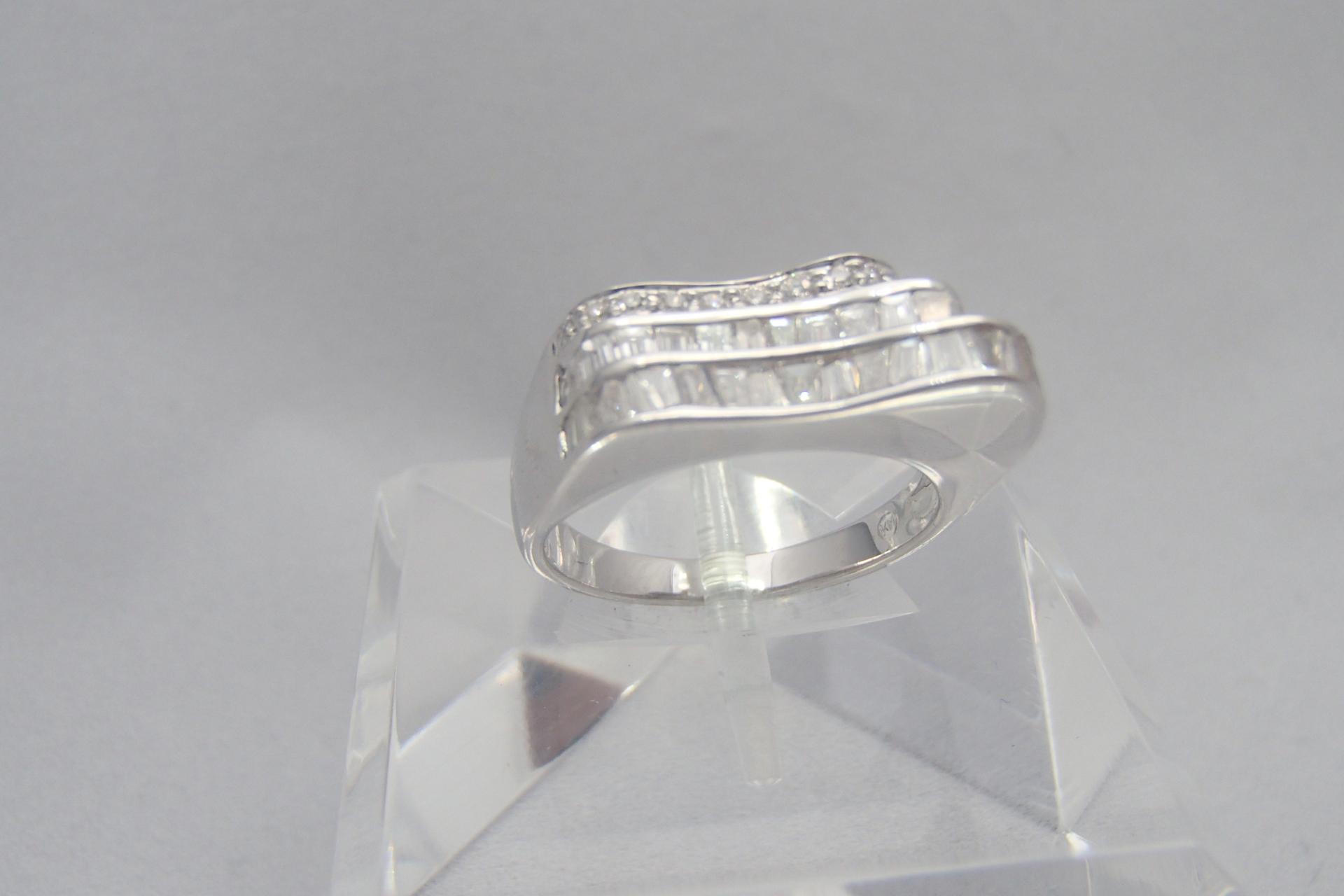 憧れのダイヤモンドの婚約指輪!相場はどのぐらいでしょうか?