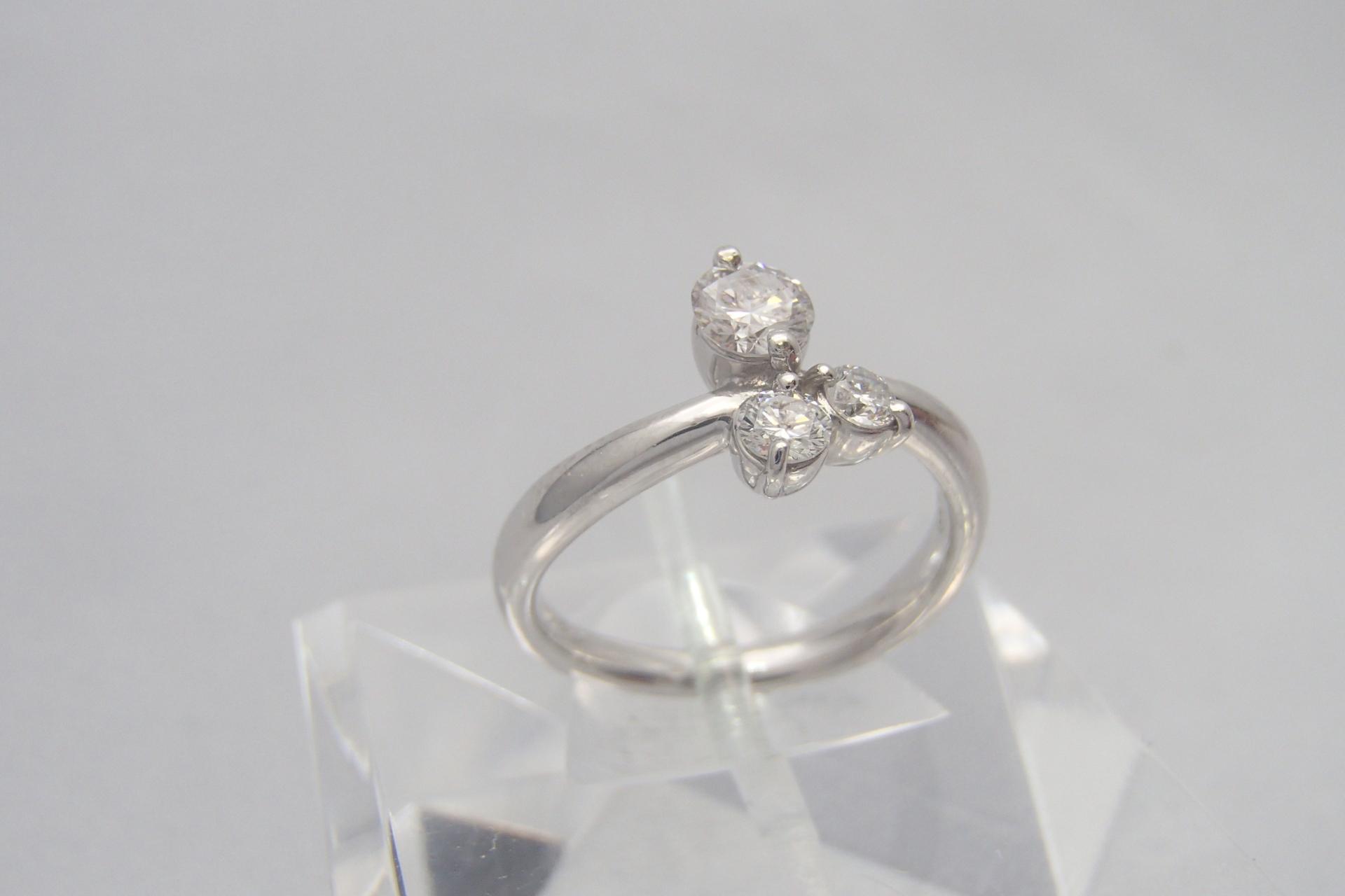 ダイヤモンドの相場は日々変動する理由とは?