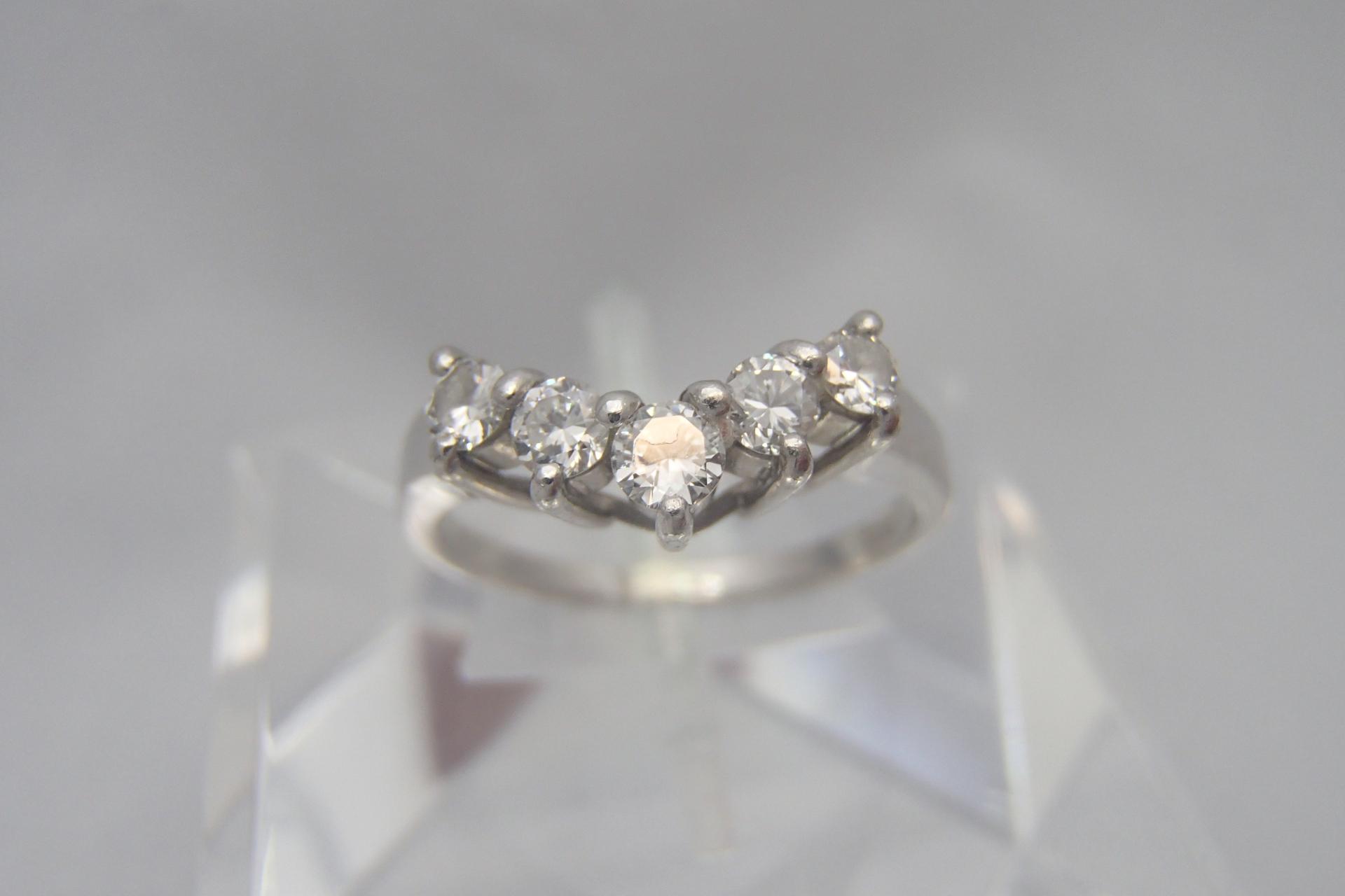 ダイヤモンドのアクセサリーで人気なのは?