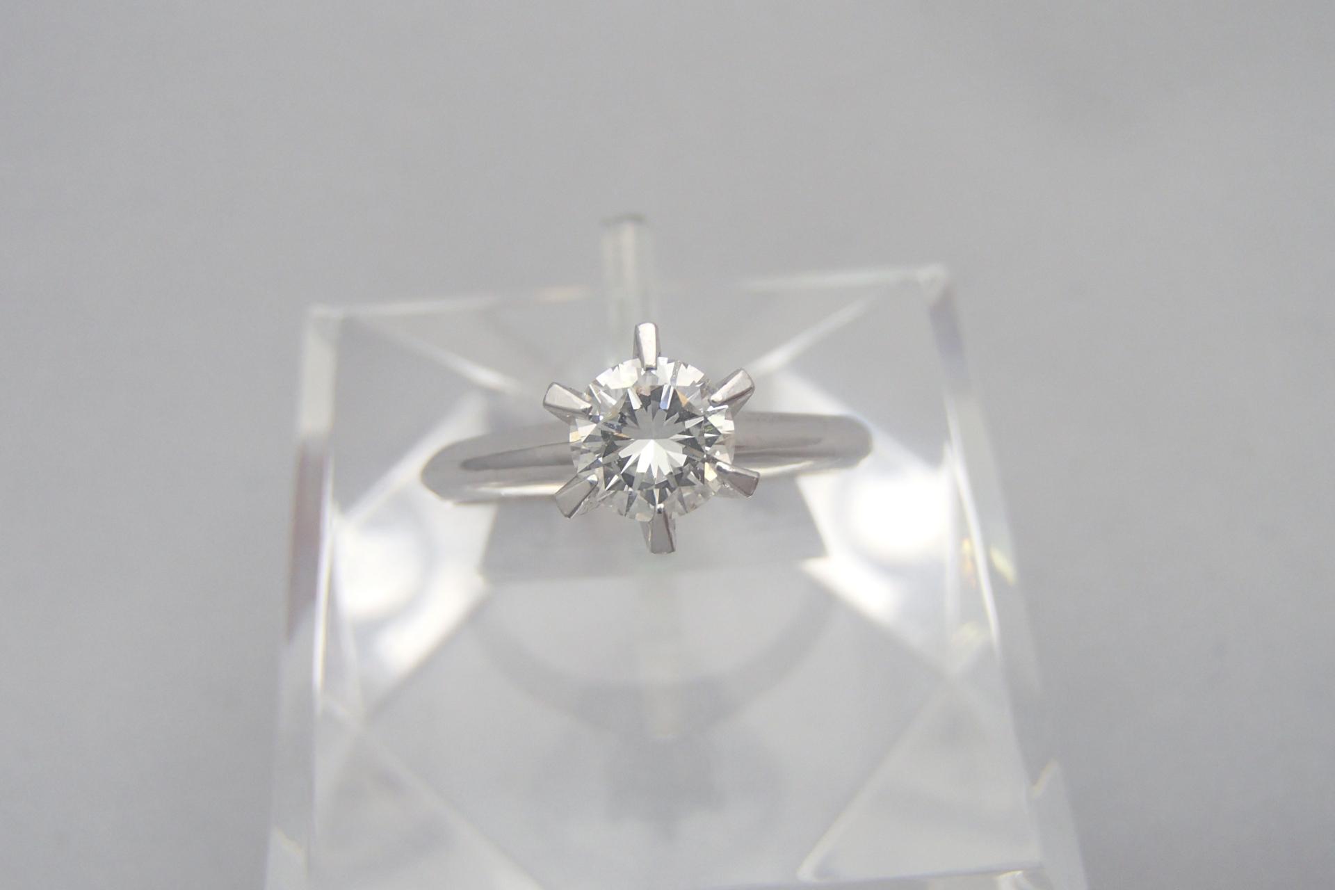 2カラットのダイヤモンドの大きさや価値ってどのくらい?