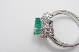 エメラルドの指輪を高額買取いたしました。石つきの指輪は当店まで!