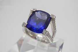 タンザナイトの指輪を高価買取しました。