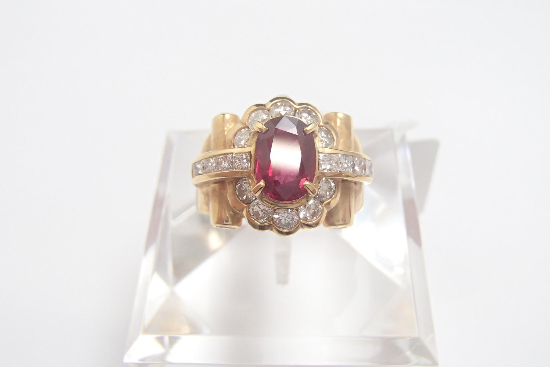 金の売り時はいつ? 指輪やネックレスはどのようなものが高く売れる?