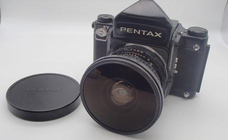 PENTAXからの人気モデル、67シリーズの中判カメラ