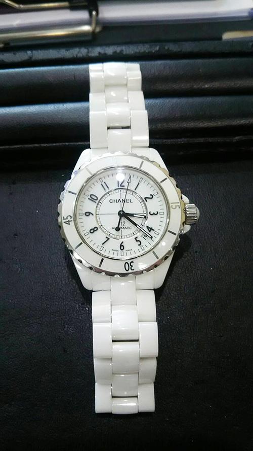 綺麗なシャネル時計